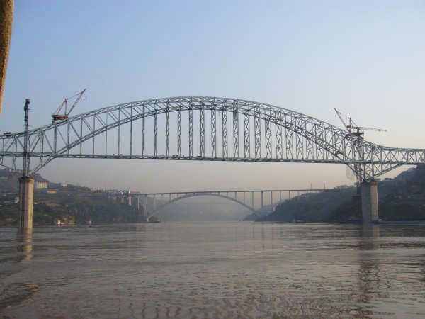 Wanzhou Yangtze River Railway Bridge.jpg